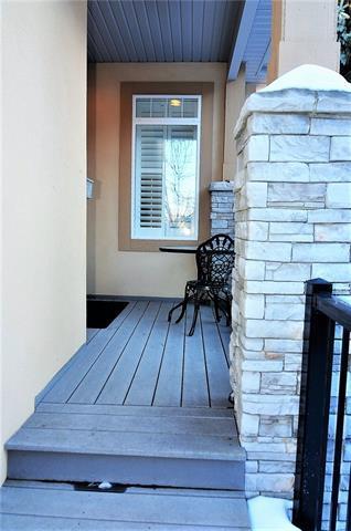 2121 98 Avenue SW #15, Calgary, AB T2V 4S6 (#C4173689) :: Redline Real Estate Group Inc