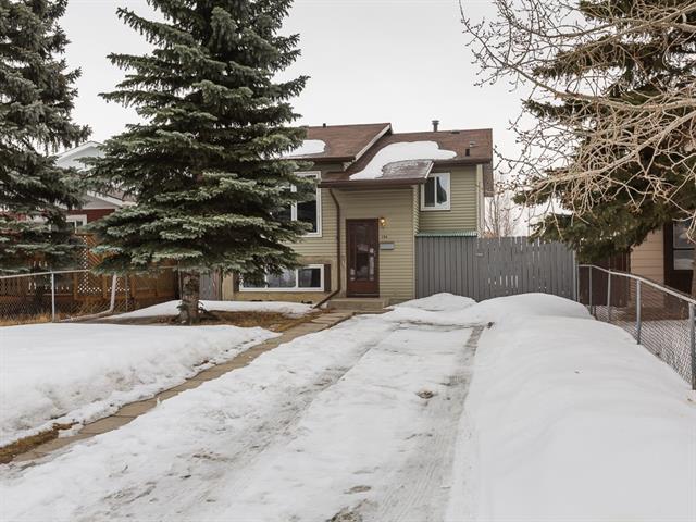 196 Erin Croft Crescent SE, Calgary, AB T2B 2V1 (#C4174060) :: Canmore & Banff