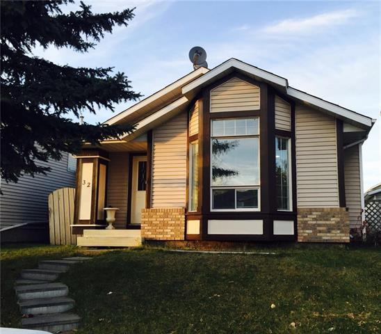 32 Martinwood Way NE, Calgary, AB T3J 3H1 (#C4174090) :: Redline Real Estate Group Inc