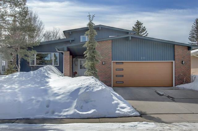 211 Oakside Circle SW, Calgary, AB T2V 4H4 (#C4174241) :: The Cliff Stevenson Group
