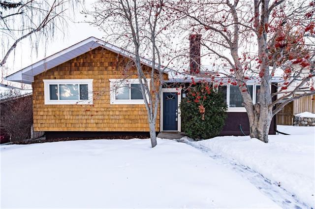 4411 Charleswood Drive NW, Calgary, AB T2L 2E3 (#C4174253) :: Redline Real Estate Group Inc