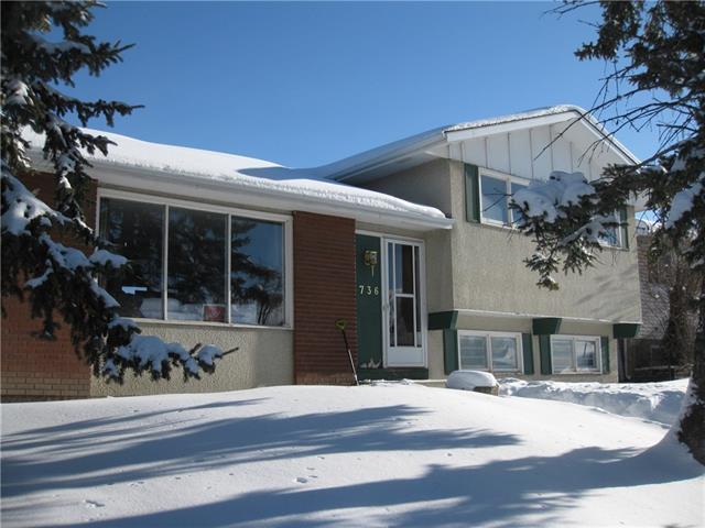 736 Penbrooke Road SE, Calgary, AB T2A 3T5 (#C4174485) :: Redline Real Estate Group Inc