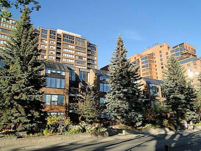 330 26 Avenue SW #903, Calgary, AB T2S 2T3 (#C4174721) :: Redline Real Estate Group Inc