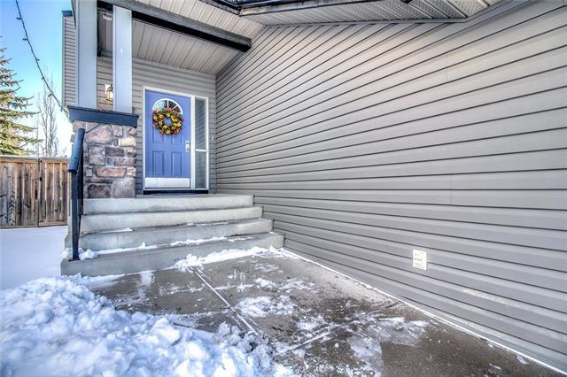 46 Cougarstone Circle SW, Calgary, AB T3H 4W3 (#C4175242) :: The Cliff Stevenson Group