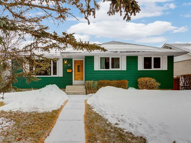 2131 Crocus Road NW, Calgary, AB T2L 0Z7 (#C4175556) :: Redline Real Estate Group Inc