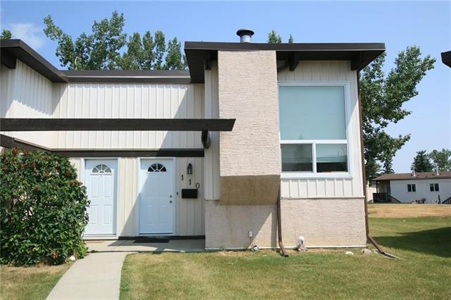110 Oaktree Close SW, Calgary, AB T2V 4E8 (#C4175946) :: The Cliff Stevenson Group
