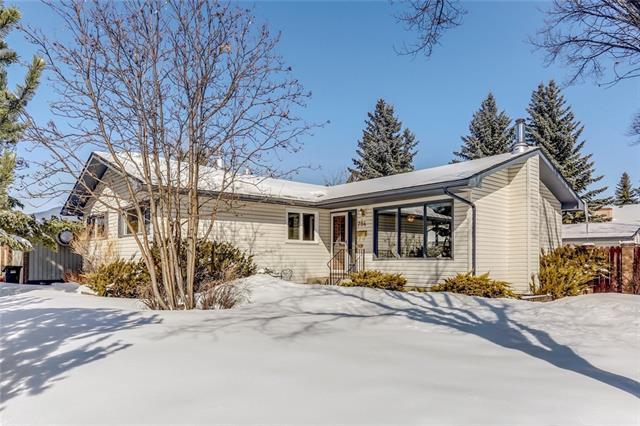 754 Woodpark Road SW, Calgary, AB T2W 2S4 (#C4176076) :: Redline Real Estate Group Inc
