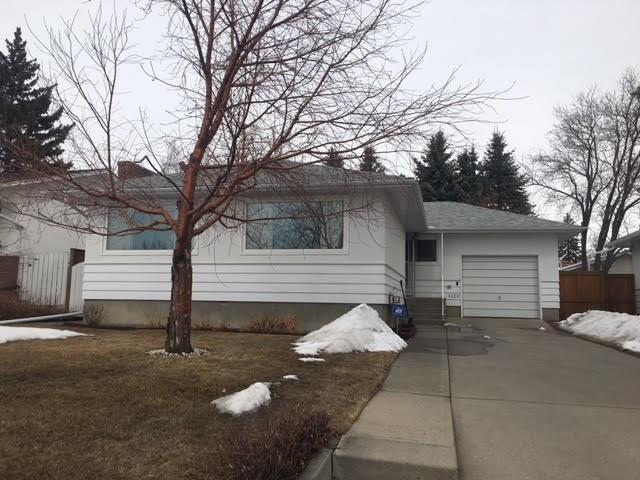 3320 Rutland Road SW, Calgary, AB T3E 4R3 (#C4176108) :: Your Calgary Real Estate