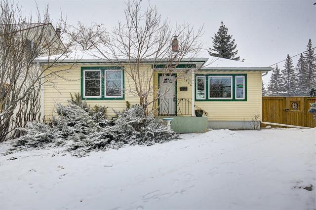 1624 Summit Street SW, Calgary, AB T3C 2M1 (#C4176483) :: Canmore & Banff