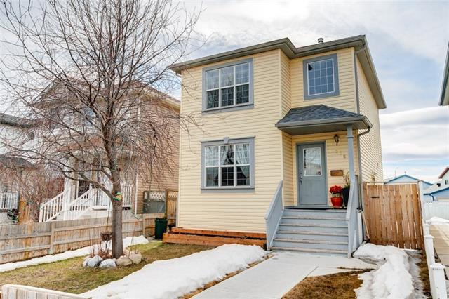 228 Martinvalley Crescent NE, Calgary, AB T3J 4L6 (#C4176759) :: Your Calgary Real Estate