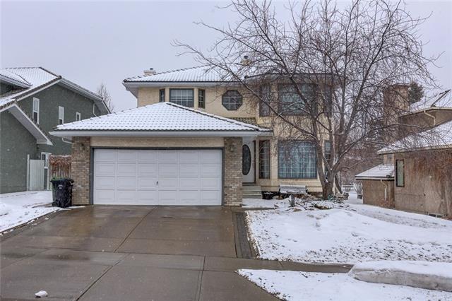 32 Signature Way SW, Calgary, AB T3H 2V8 (#C4176840) :: Redline Real Estate Group Inc