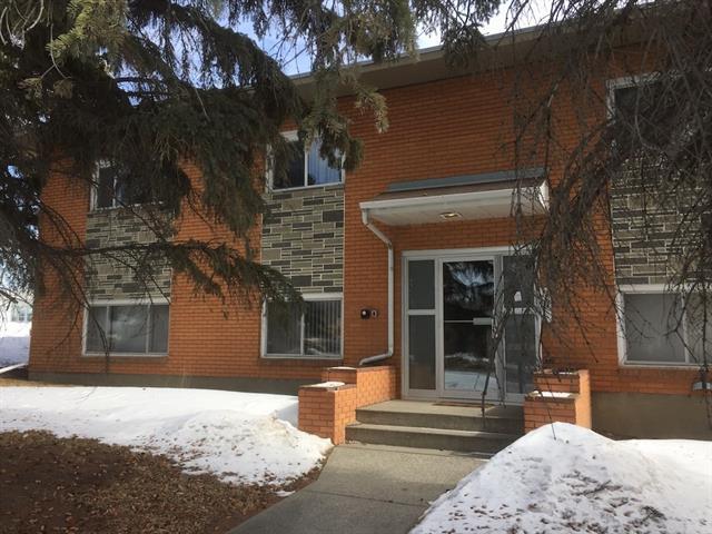 652, 656 Northmount Drive NW, Calgary, AB T2K 3J9 (#C4176856) :: Redline Real Estate Group Inc