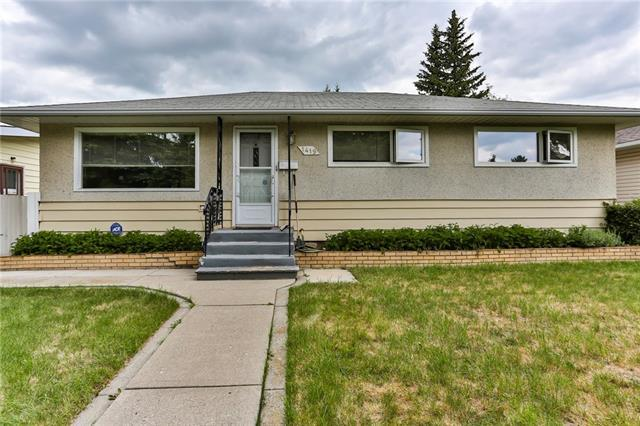 1419 44 Street SW, Calgary, AB T3C 2A7 (#C4176869) :: Redline Real Estate Group Inc