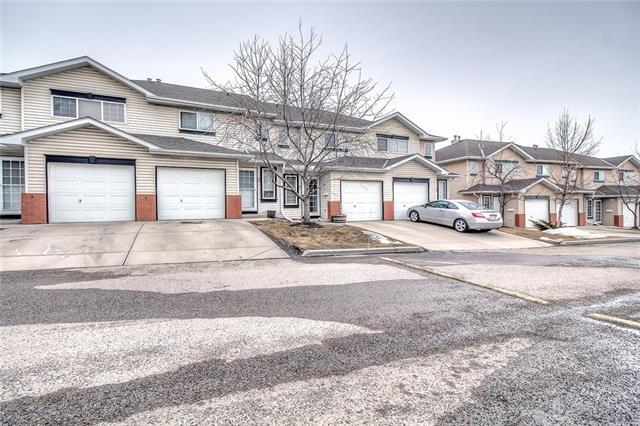 91 Country Hills Villa(S) NW, Calgary, AB T3K 4S8 (#C4176903) :: The Cliff Stevenson Group