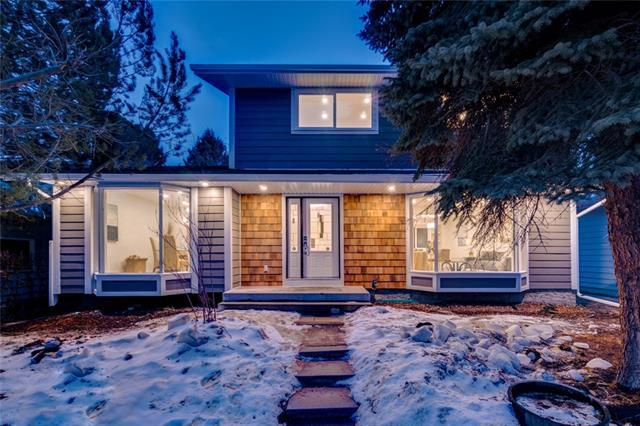 19 Lake Crimson Close SE, Calgary, AB T2J 3K8 (#C4177095) :: Redline Real Estate Group Inc