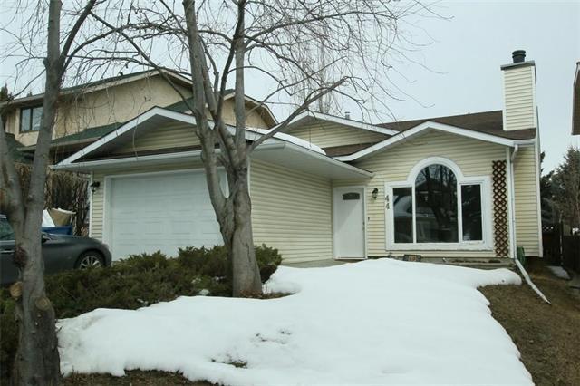 44 Millbank Road SW, Calgary, AB T2Y 2B7 (#C4177216) :: Redline Real Estate Group Inc