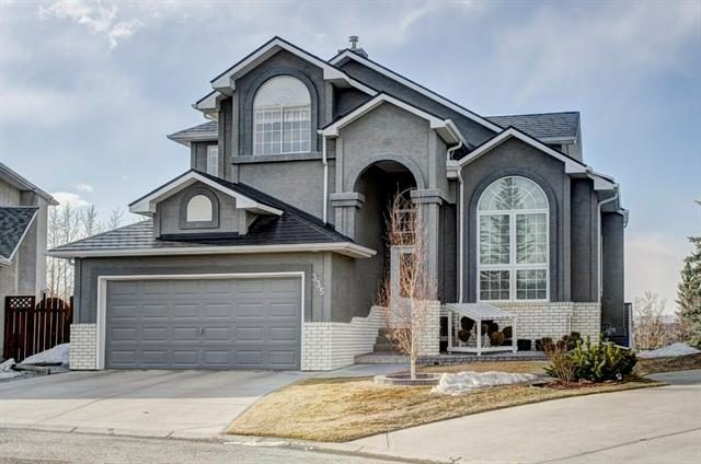 335 Valley Springs Terrace NW, Calgary, AB T3B 5P7 (#C4177338) :: Redline Real Estate Group Inc