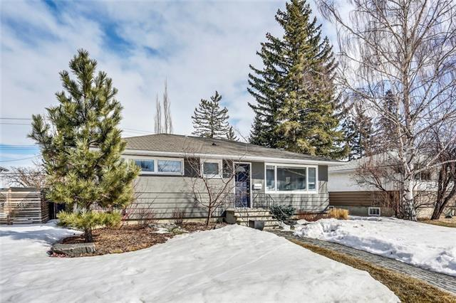 52 Malibou Road SW, Calgary, AB T2V 1W8 (#C4177340) :: Canmore & Banff