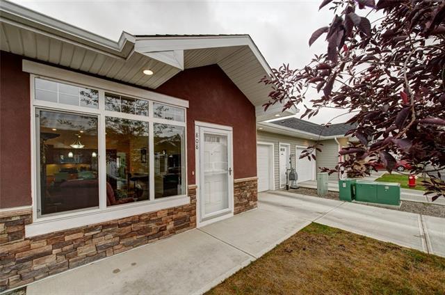 808 Sunvale Crescent NE, High River, AB T1V 0H1 (#C4177414) :: Redline Real Estate Group Inc