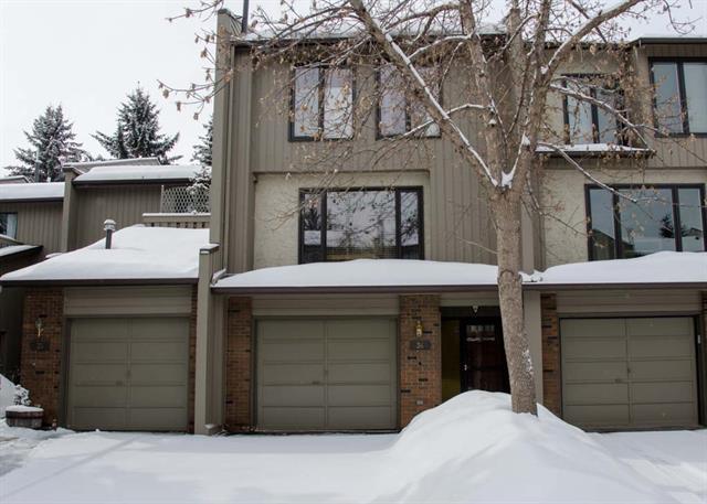 36 Point Mckay Court NW, Calgary, AB T3B 5B7 (#C4177451) :: Redline Real Estate Group Inc