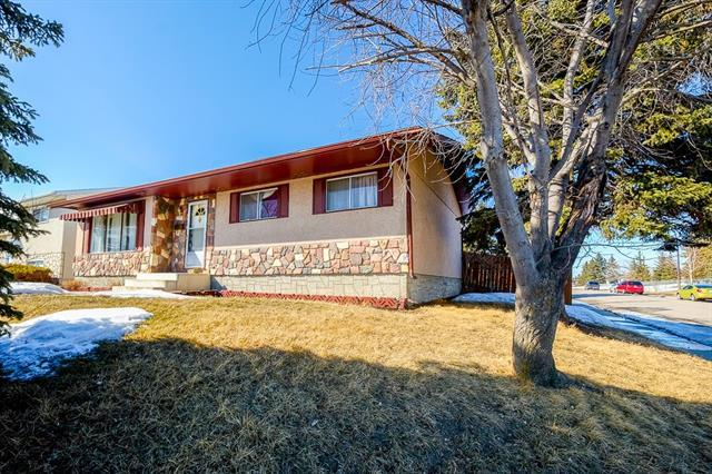 1171 Penrith Crescent SE, Calgary, AB T2A 2H8 (#C4177573) :: Redline Real Estate Group Inc
