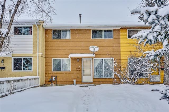 14 Dovercliffe Way SE, Calgary, AB T2B 2C6 (#C4177703) :: Redline Real Estate Group Inc