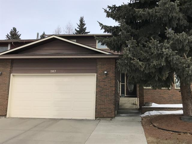 107 Edenwold Crescent NW, Calgary, AB T3A 3T3 (#C4177739) :: Redline Real Estate Group Inc