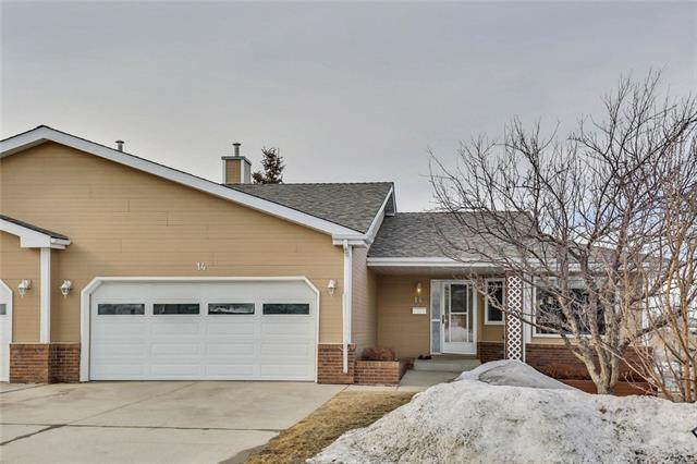 140 Strathaven Circle SW #14, Calgary, AB T3H 2N5 (#C4177889) :: Canmore & Banff