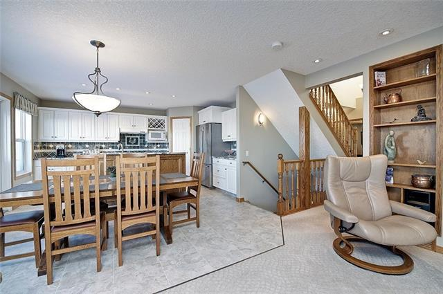 131 Valley Ponds Crescent NW, Calgary, AB T3B 5T7 (#C4178145) :: Redline Real Estate Group Inc