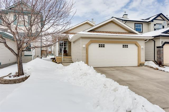 16095 Everstone Road SW, Calgary, AB T2Y 4A6 (#C4178174) :: The Cliff Stevenson Group