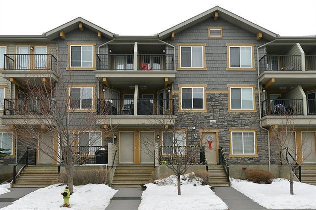 239 Mckenzie Towne Lane SE, Calgary, AB T2Z 0C3 (#C4178395) :: Redline Real Estate Group Inc