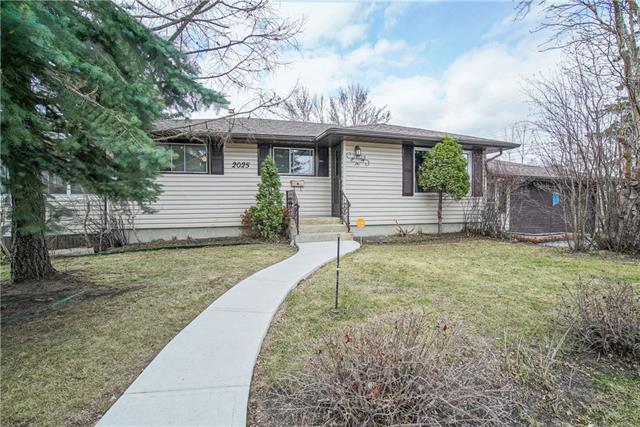2025 33 Street SE, Calgary, AB T2B 0T8 (#C4178510) :: Redline Real Estate Group Inc