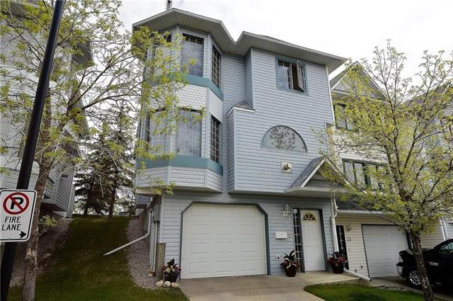 41 Patina View SW, Calgary, AB T3H 3R4 (#C4178750) :: Redline Real Estate Group Inc