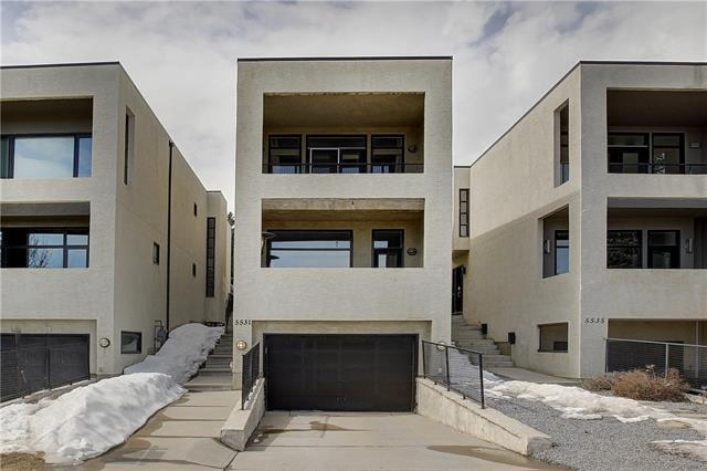 5531 Strathcona Hill(S) SW, Calgary, AB T3H 1S2 (#C4178753) :: Canmore & Banff