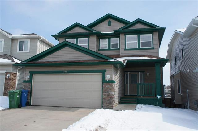 104 Everhollow Crescent SW, Calgary, AB T2Y 0A9 (#C4178764) :: The Cliff Stevenson Group