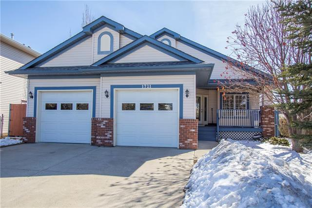 1721 Harrison Street, Crossfield, AB T0M 0S0 (#C4178768) :: Canmore & Banff