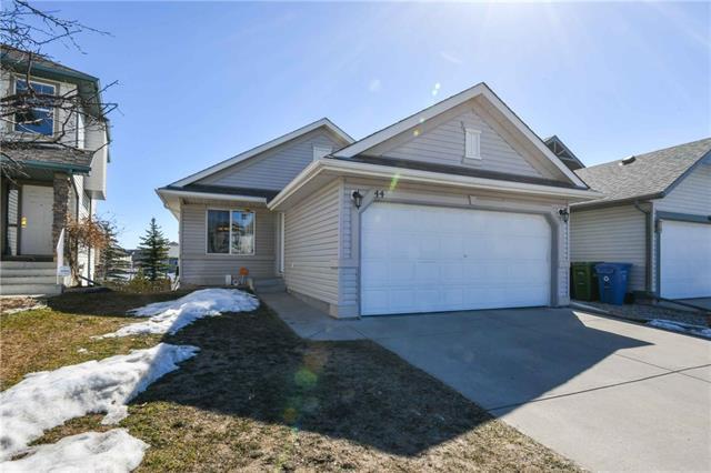 44 Somerglen Heath SW, Calgary, AB T2Y 4A3 (#C4178785) :: Redline Real Estate Group Inc