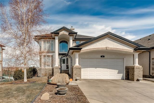 60 Valley Creek Crescent NW, Calgary, AB T3B 5V2 (#C4178836) :: Tonkinson Real Estate Team