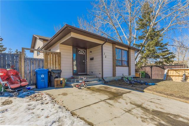 72 Castlepark Road NE, Calgary, AB T3J 1S1 (#C4178919) :: Redline Real Estate Group Inc