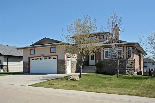 136 Sunset Heights NW, Crossfield, AB T0M 0S0 (#C4178991) :: Redline Real Estate Group Inc