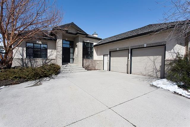 541 Country Hills Court NW, Calgary, AB T3K 3Z3 (#C4179009) :: The Cliff Stevenson Group
