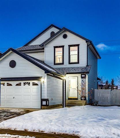 91 Somerside Common SW, Calgary, AB T2Y 3M8 (#C4179120) :: Redline Real Estate Group Inc