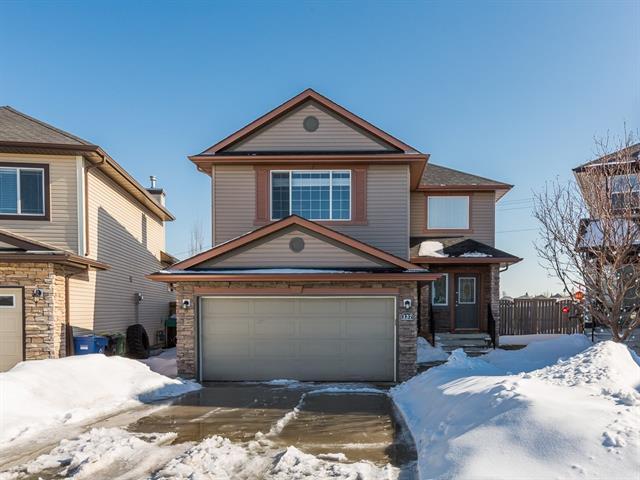 137 Kincora Bay NW, Calgary, AB T3R 1L4 (#C4179178) :: Redline Real Estate Group Inc