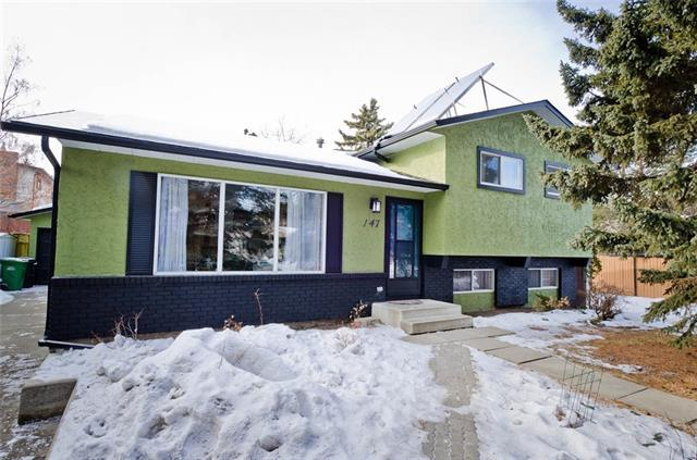 147 Brookgreen Drive SW, Calgary, AB T2W 2W4 (#C4179360) :: Canmore & Banff