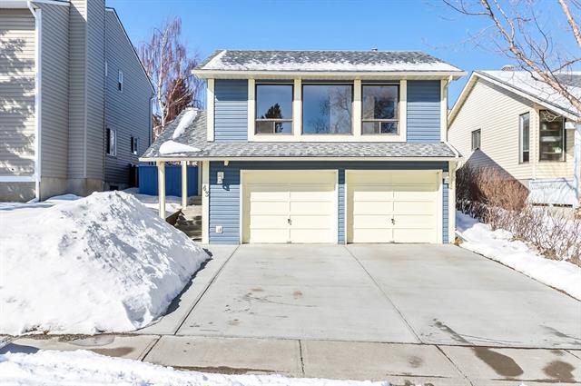 43 Macewan Glen Road NW, Calgary, AB T3K 2J3 (#C4179556) :: Redline Real Estate Group Inc