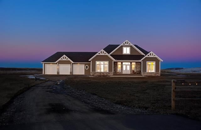 8 Tiki Ranch Place W, Rural Foothills M.D., AB T1S 1A7 (#C4179699) :: Redline Real Estate Group Inc