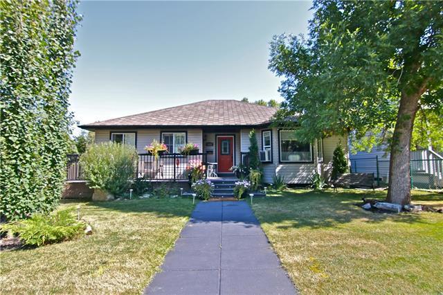 7832 33 Avenue NW, Calgary, AB T3B 1L4 (#C4179795) :: Carolina Paredes - RealHomesCalgary.com