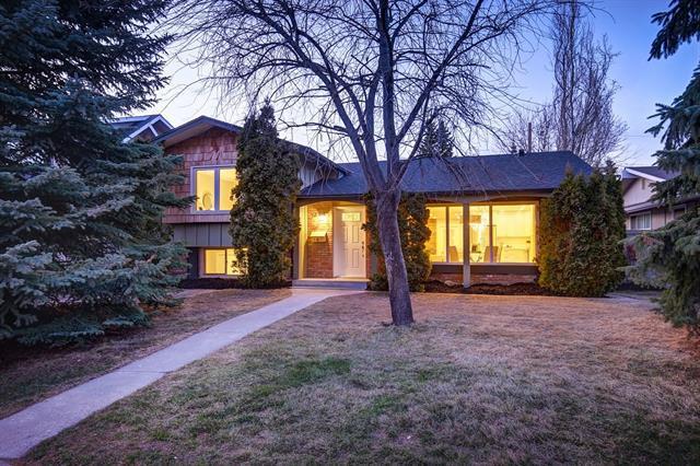 124 Lake Wasa Place SE, Calgary, AB T2J 3N5 (#C4179816) :: Tonkinson Real Estate Team