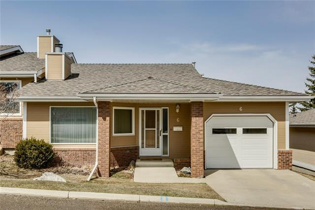 140 Strathaven Circle SW #6, Calgary, AB T3H 2N5 (#C4179853) :: Redline Real Estate Group Inc