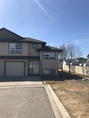 103 Fairways Drive NW #38, Airdrie, AB T4B 2Y5 (#C4180894) :: Redline Real Estate Group Inc